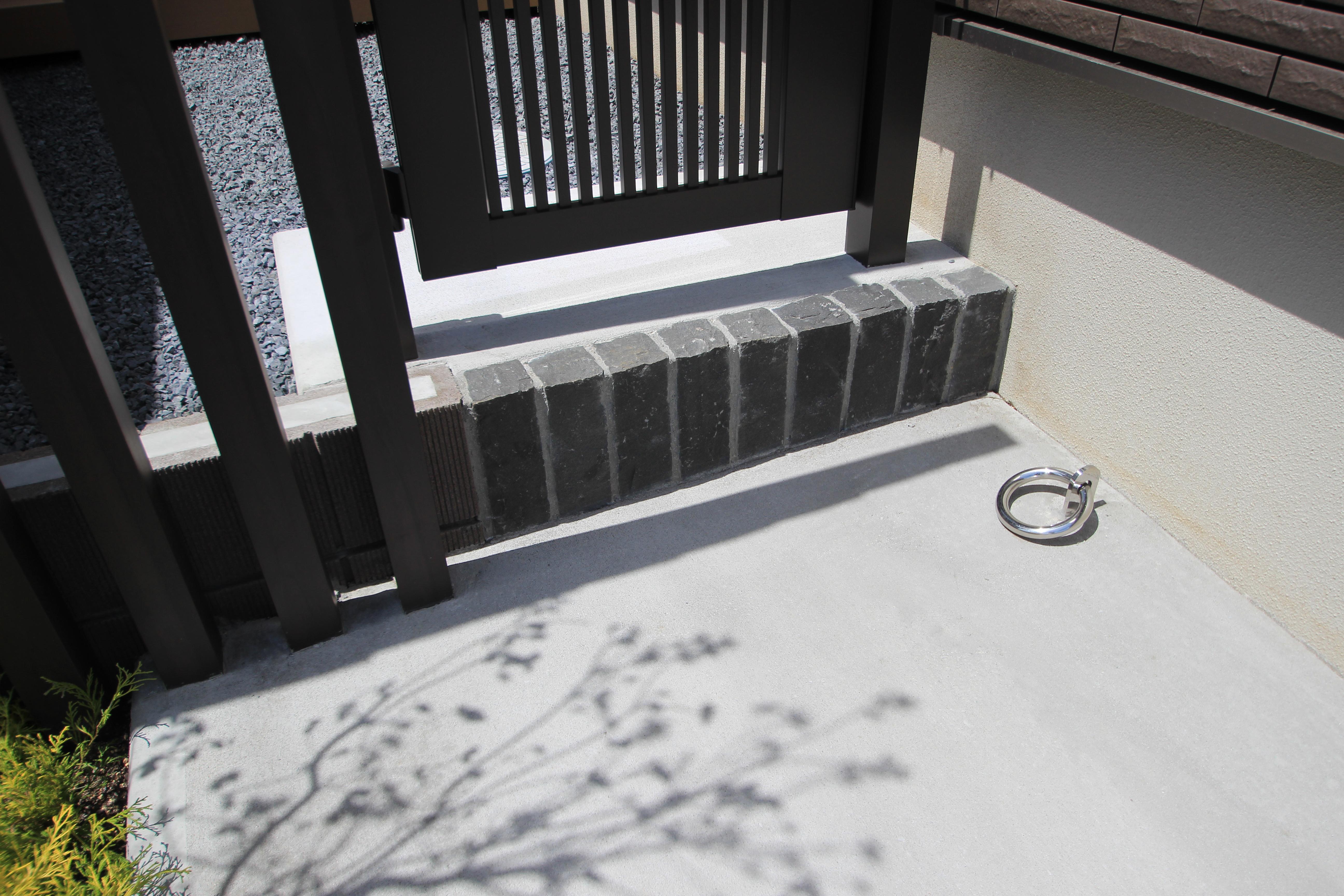 千葉市にて。ウッドデッキとタイルテラスのプライベートガーデンです。11