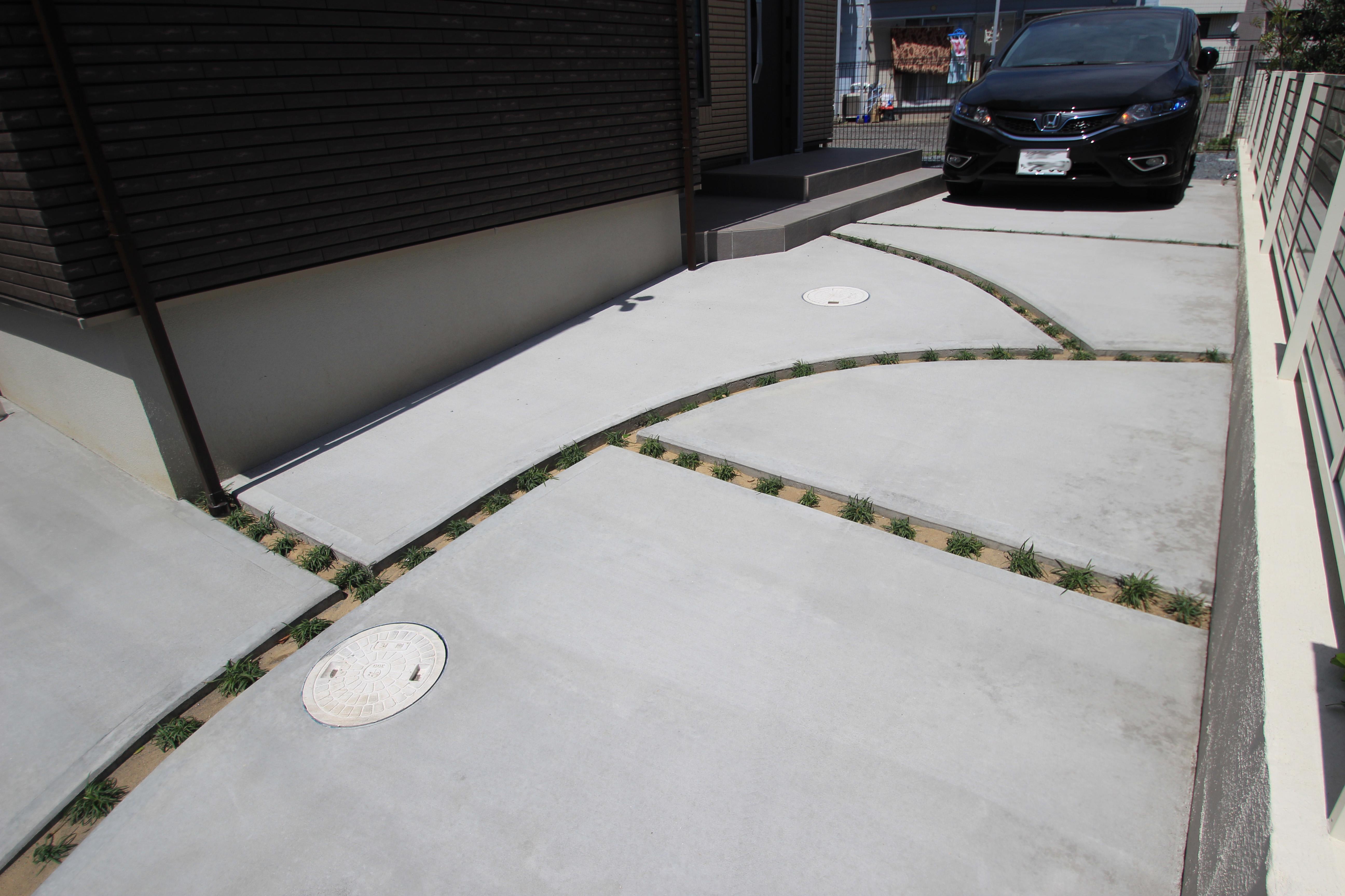 千葉市にて。ウッドデッキとタイルテラスのプライベートガーデンです。12