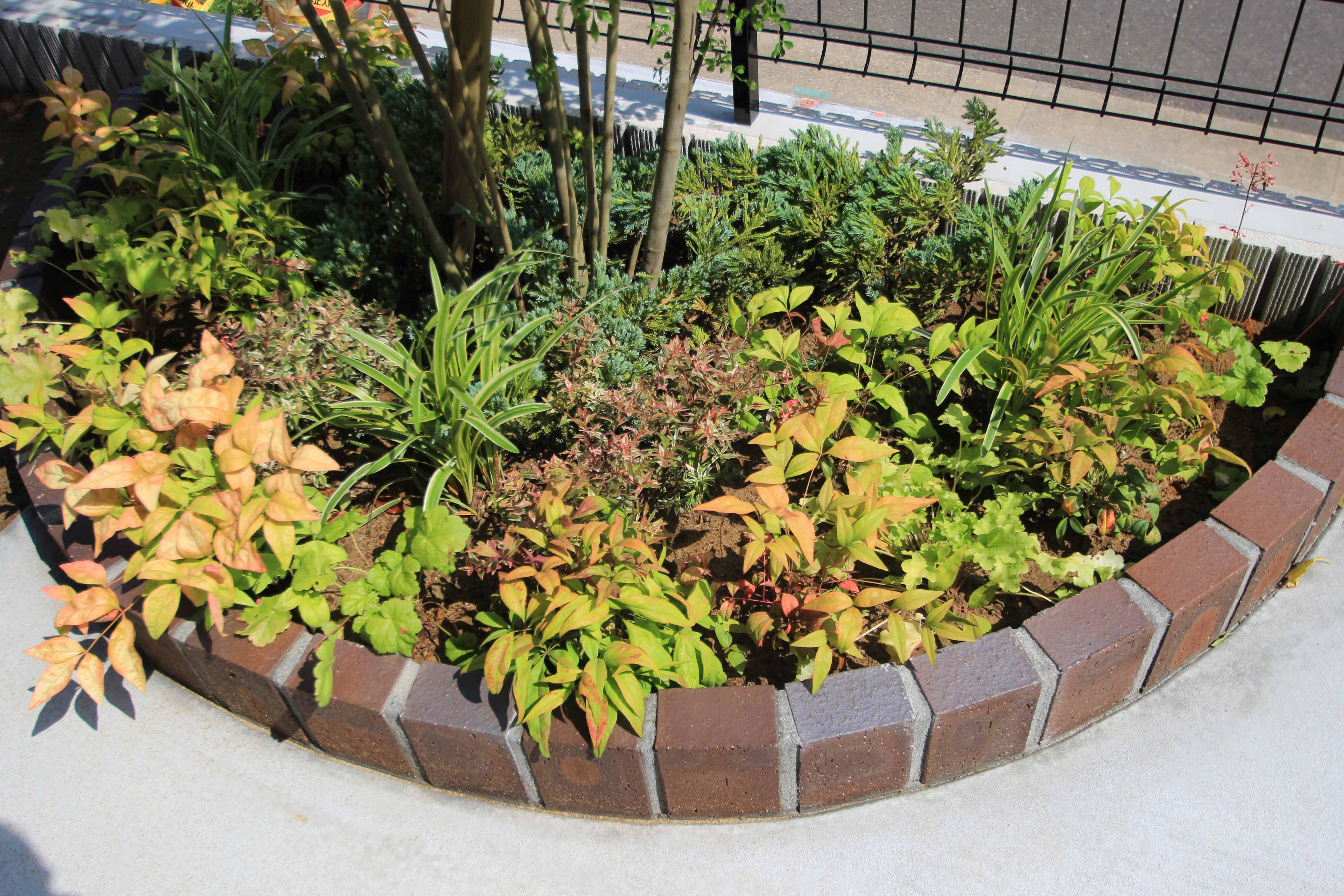 千葉市緑区。アンティークテイストのアプローチ。13