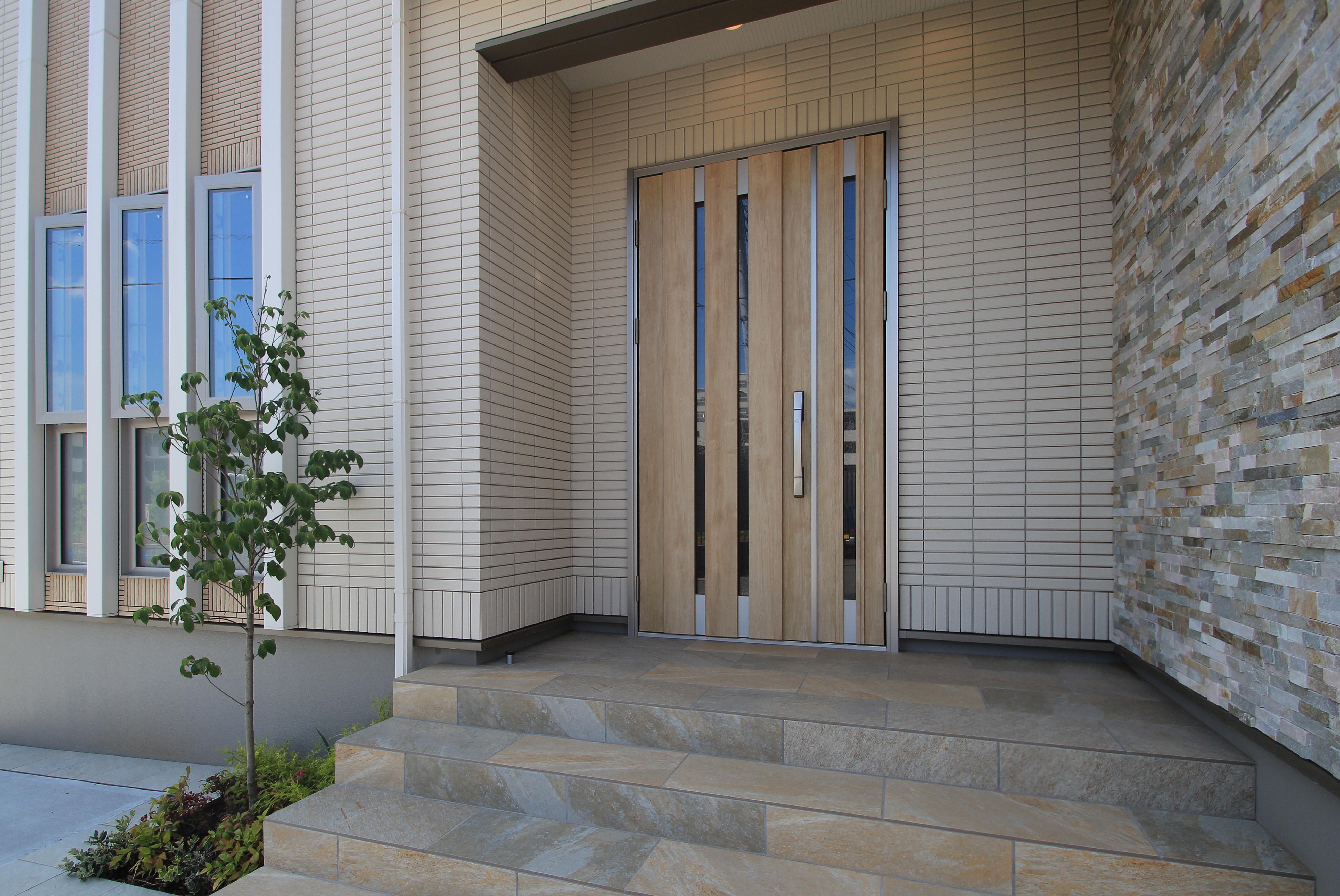 松戸市。<br>オフホワイトのシックなタイル。9