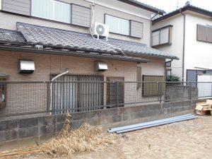 千葉県松戸市にて。レンガのカーブがお洒落な階段。ナチュラルカラーの素敵なポーチです。8