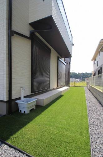千葉市緑区。アンティークテイストのアプローチ。14