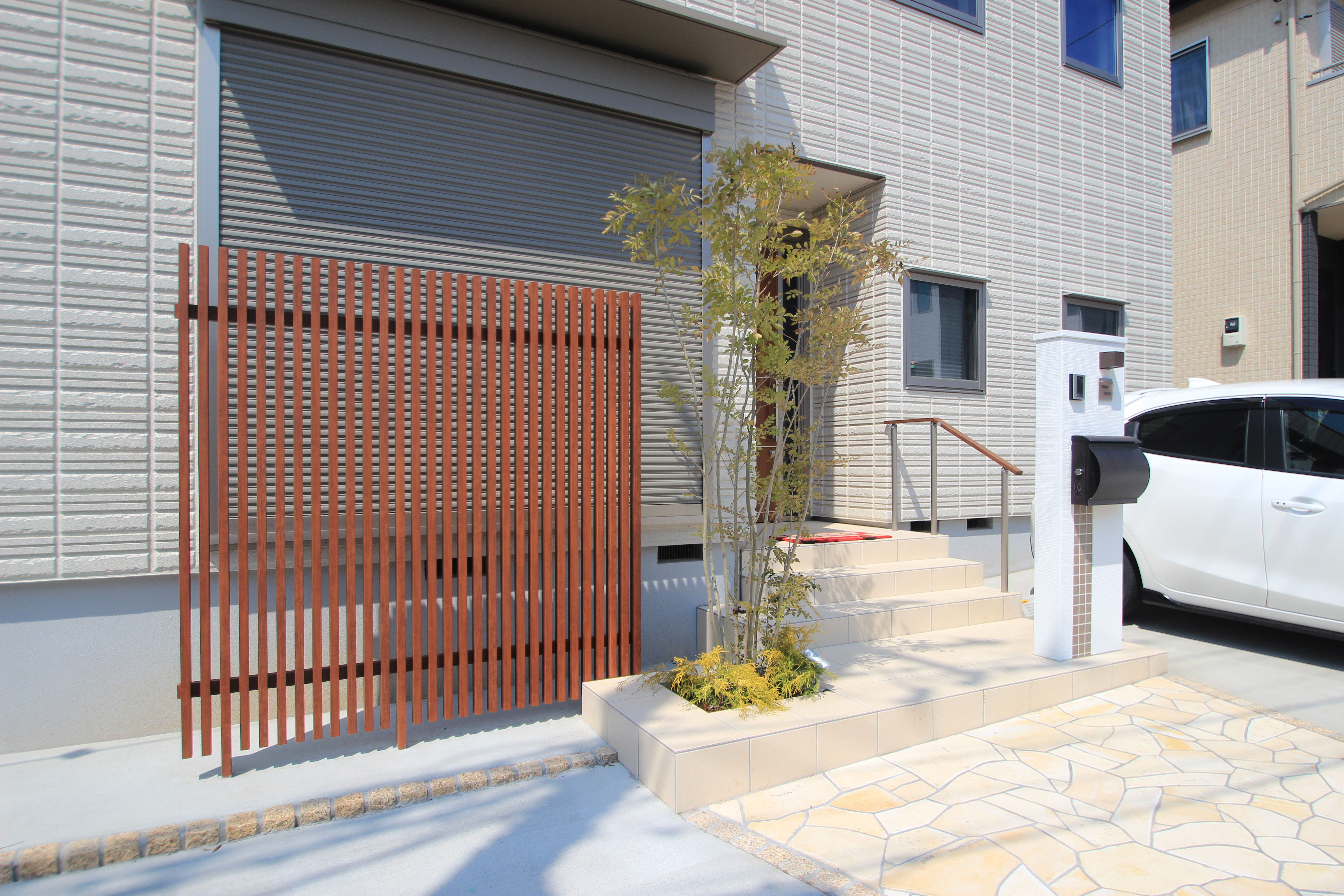 千葉市中央区にて。<br>へーベルハウスさんのモダンエクステリアです。6
