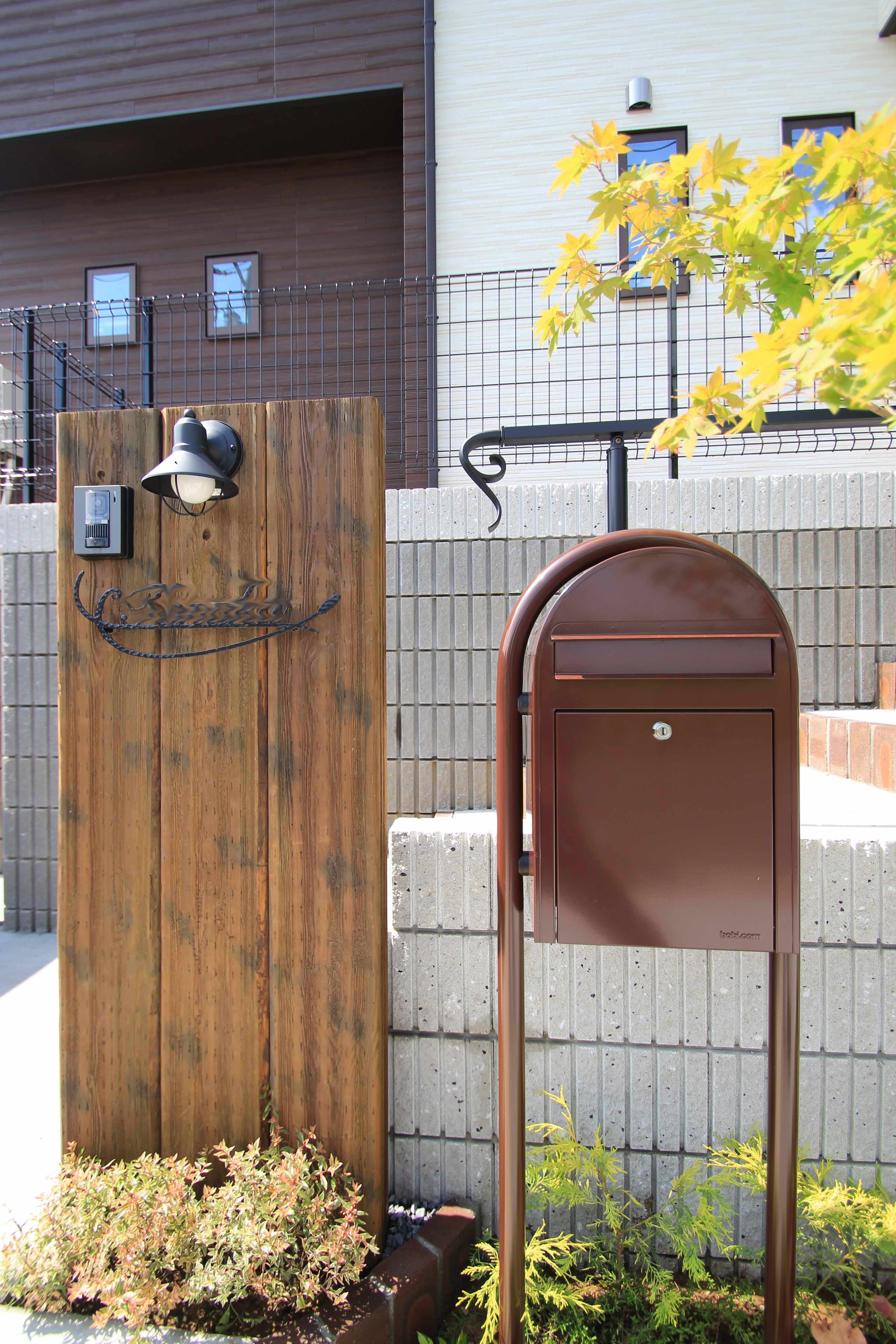 千葉市緑区。<br>アンティークテイストのアプローチ。8