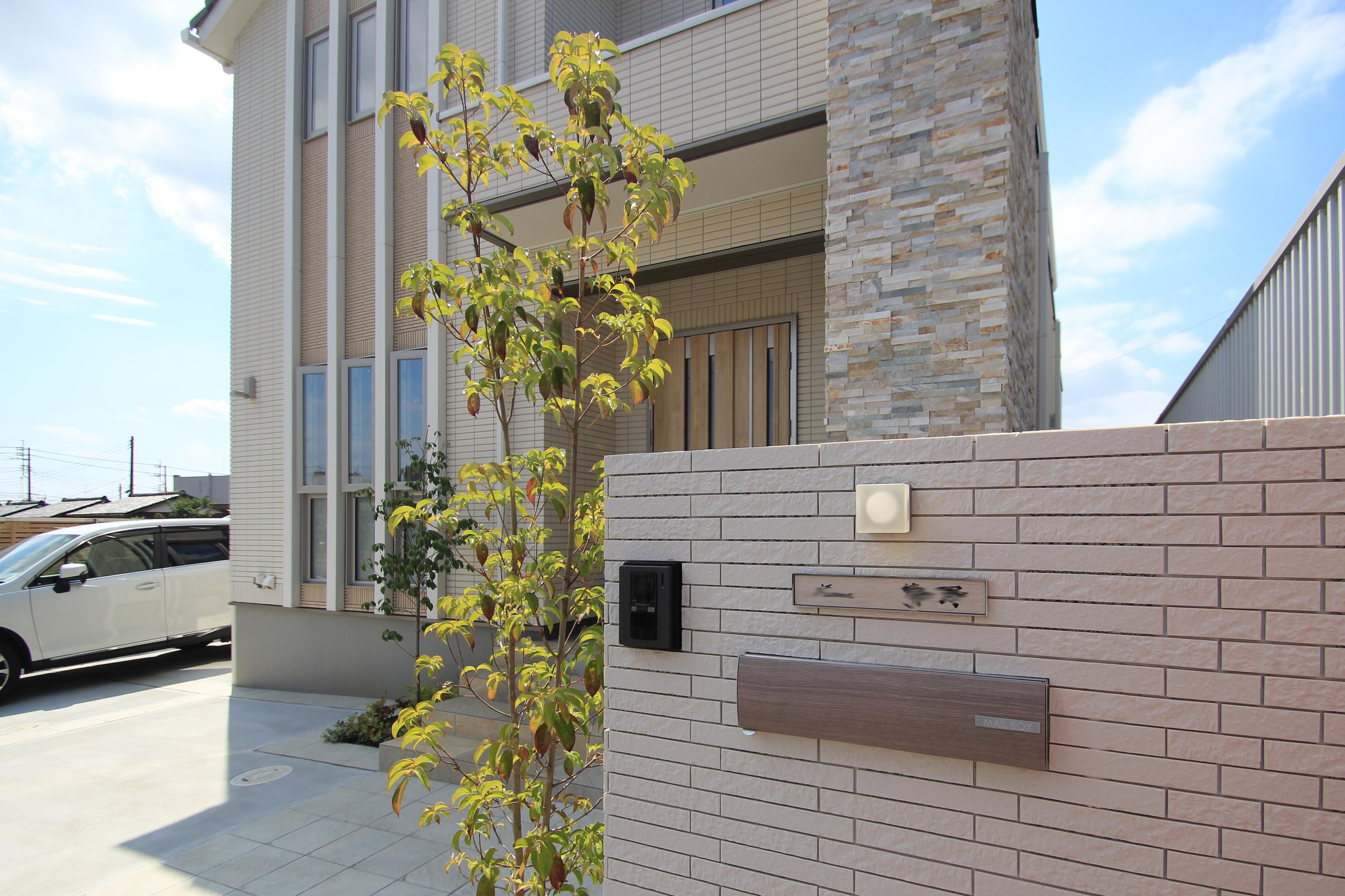 松戸市。<br>オフホワイトのシックなタイル。8