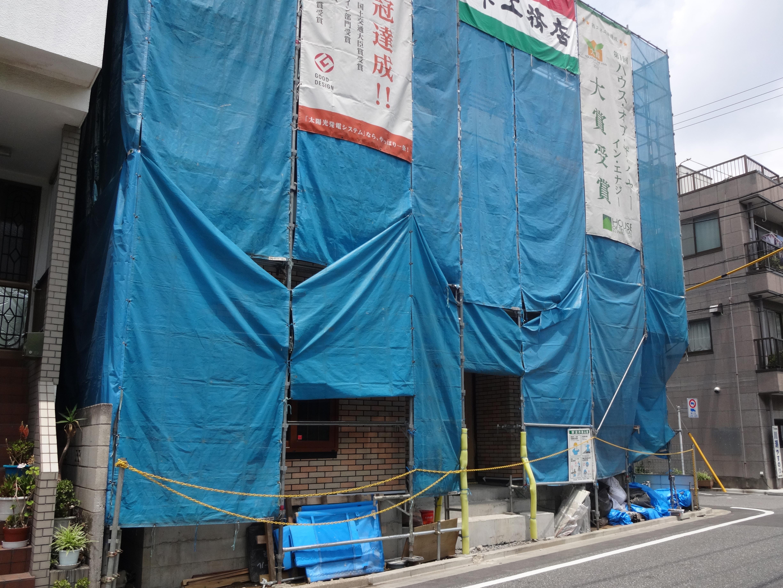 重厚な石貼りの玄関廻り 江戸川区T様邸7