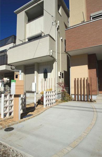 シンプルな機能門柱<br>船橋市分譲住宅8