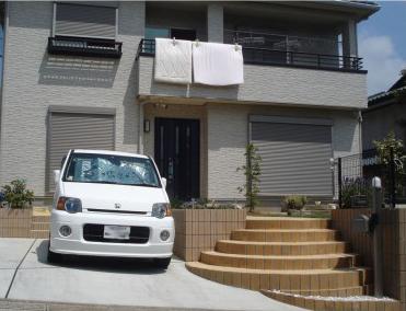 円形の階段が印象的な高低差のあるエクステリア<br>四街道市6