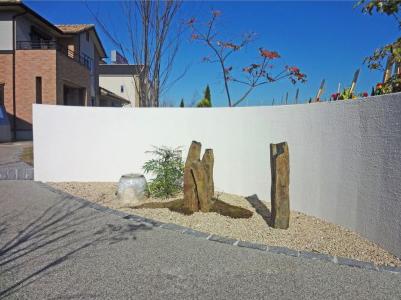 曲線の壁<br>住宅展示場のエクステリア9