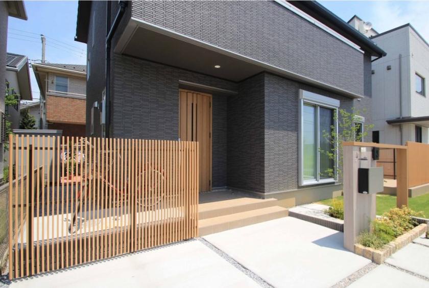 千葉市花見川区。新緑がはなやぐ贅沢な空間。きれいめエクステリアの完成です。6