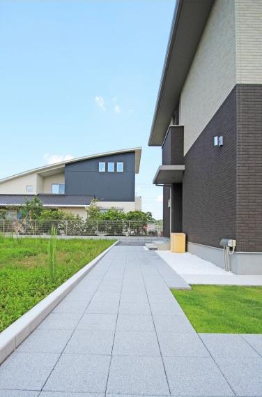 芝のお庭のあるエクステリア。<br>佐倉市K様邸8