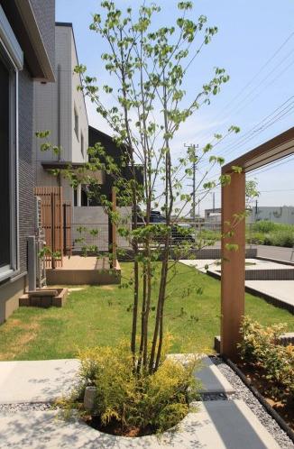 千葉市花見川区。新緑がはなやぐ贅沢な空間。きれいめエクステリアの完成です。8