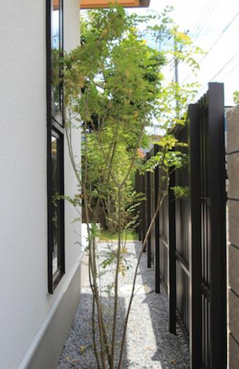 佐倉市生谷。<br>ひろびろタイルテラスと芝生のお庭。モダンでナチュラルなエクステリア。14