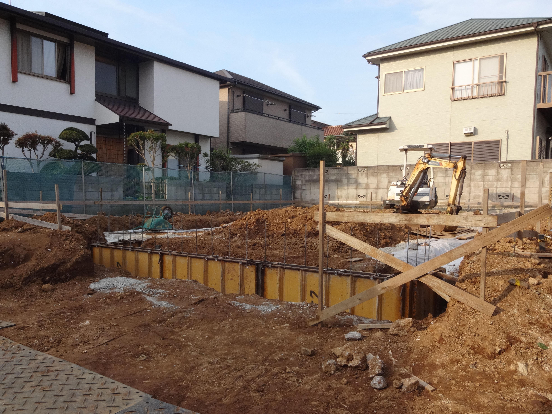 石貼りの階段があるエクステリア<br>千葉市K様邸6