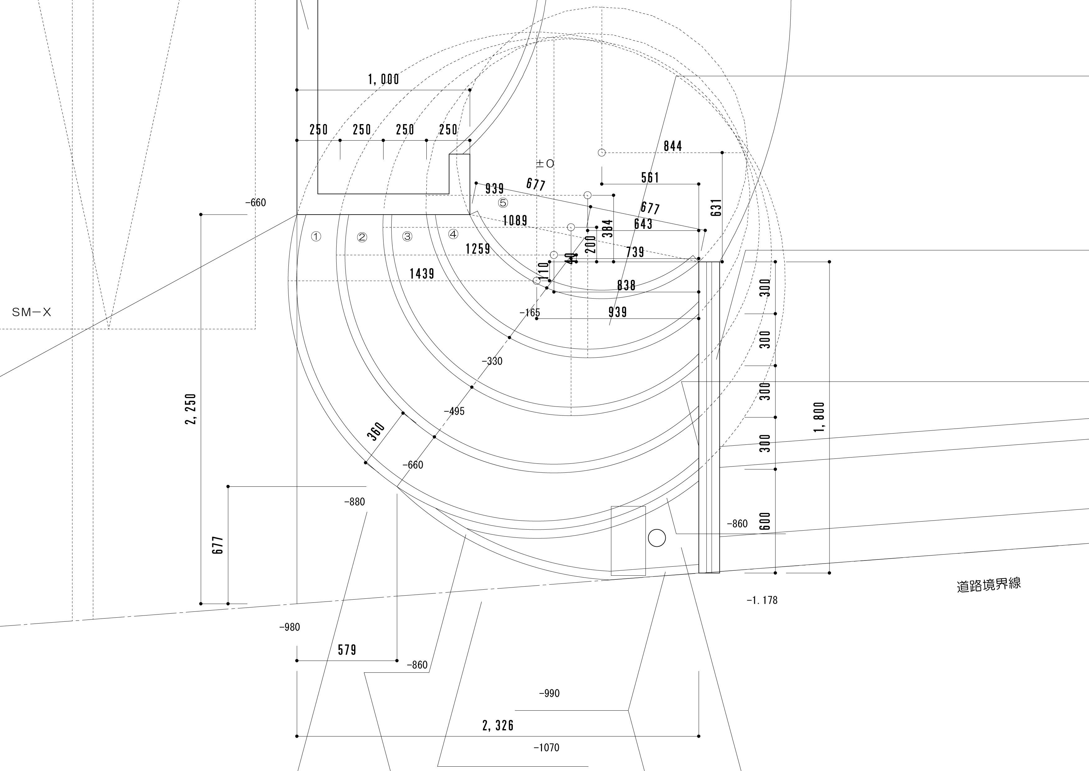 円形の階段が印象的な高低差のあるエクステリア<br>四街道市4