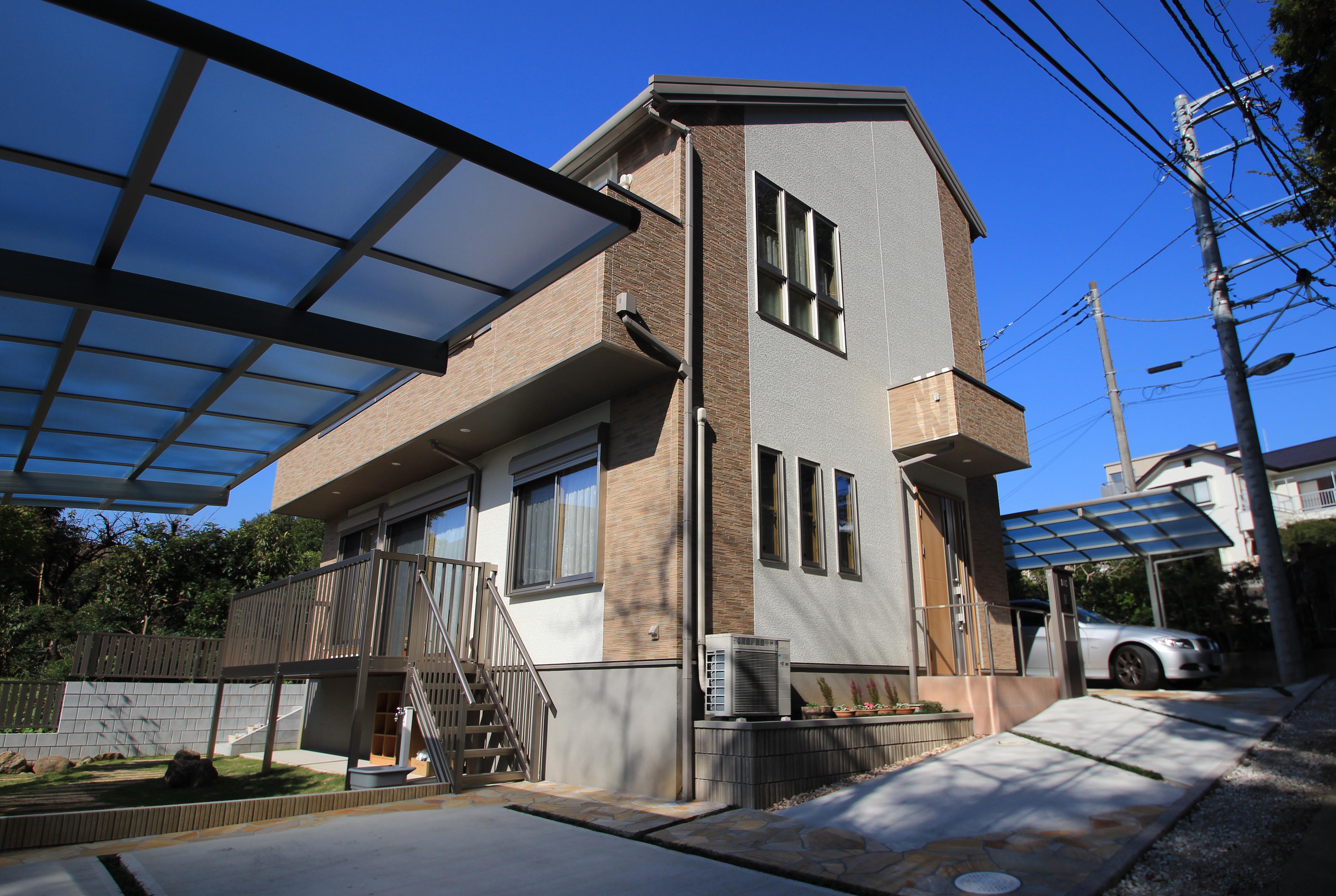 自然石を上品にあしらったプライベートガーデン。<br>松戸市S様邸12