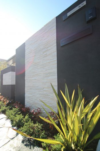 千葉市。<br>上質な石貼りのオープンスタイル。8