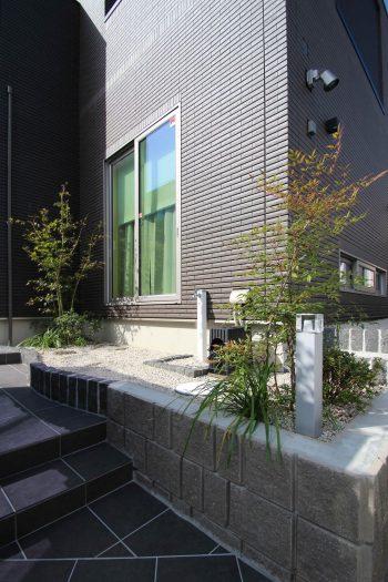千葉県 <br>秋の気配に誘われた贅沢なひと時。<br>最旬な上質素材でしなやかに。33